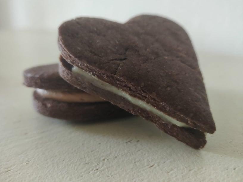 Kakao sandwich småkager med nutella smørcreme